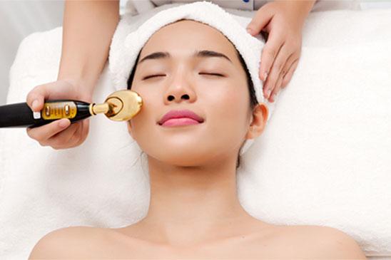 Chăm sóc da mặt sau phẫu thuật căng da